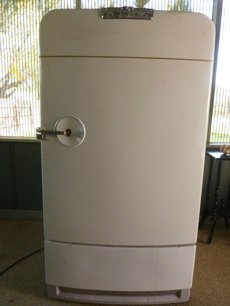 Vintage Frigidaire Refrigerators Sexy Boobs Pics