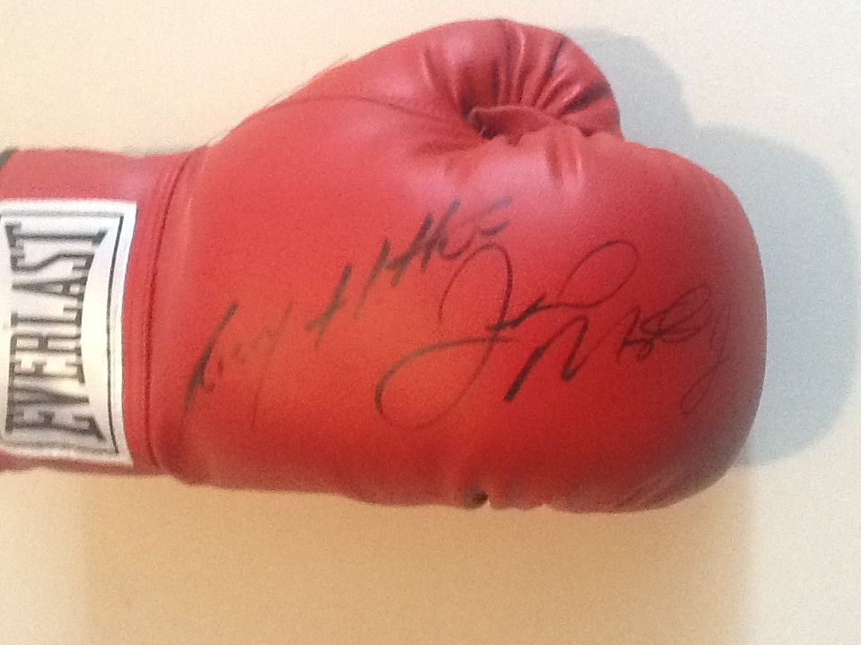 Floyd MAYWEATHER Jr Autographed Signed Boxing Glove