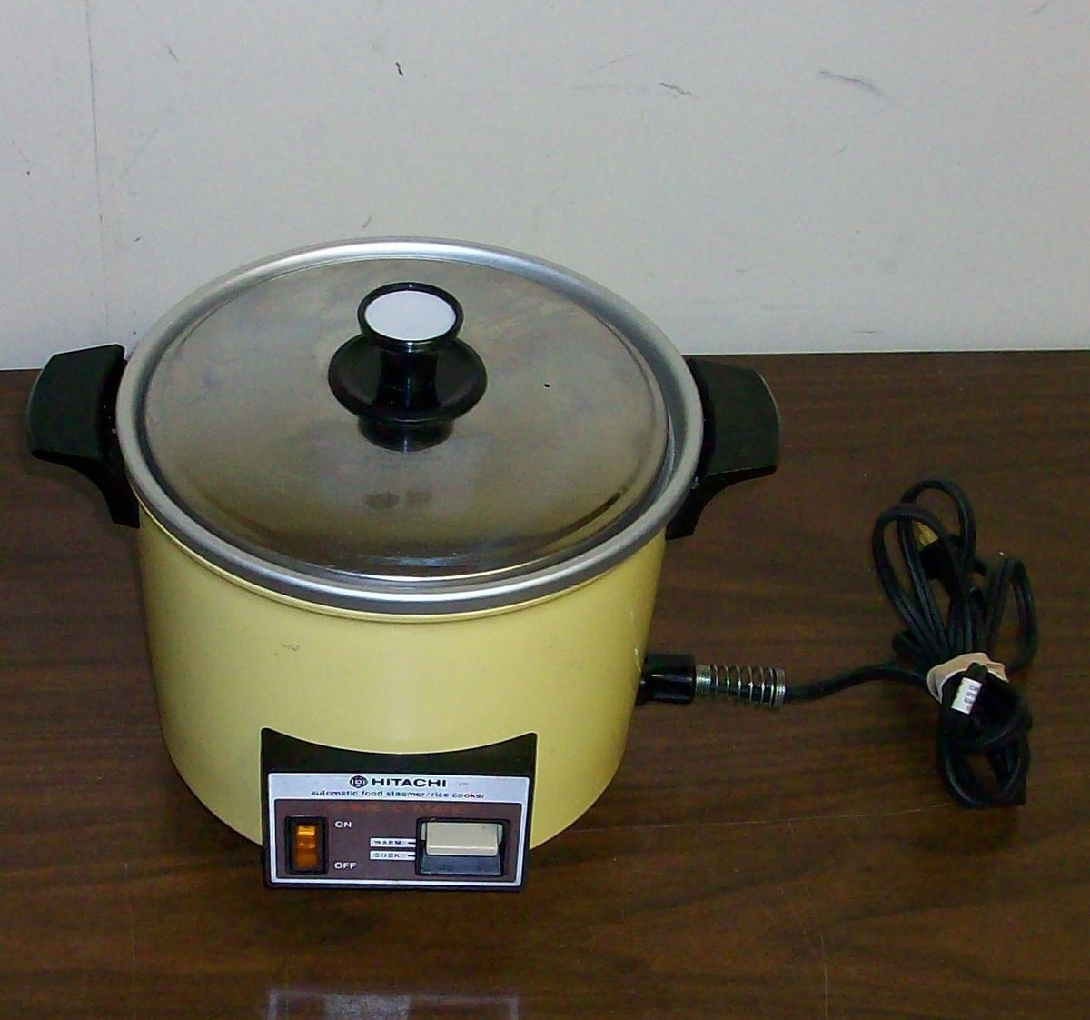 VINTAGE HITACHI   CHIME O MATIC RICE COOKER FOOD STEAMER 8.3 CUP WOW