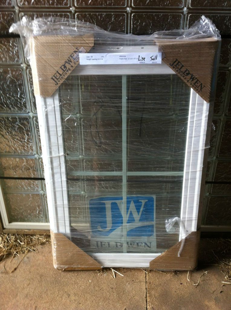 New Jeld Wen White Vinyl Picture Window 24 x 36
